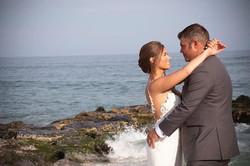 Natural flawless elegant beach bride 👰�