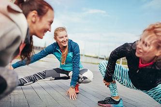 Vrouwen stretching voor een run