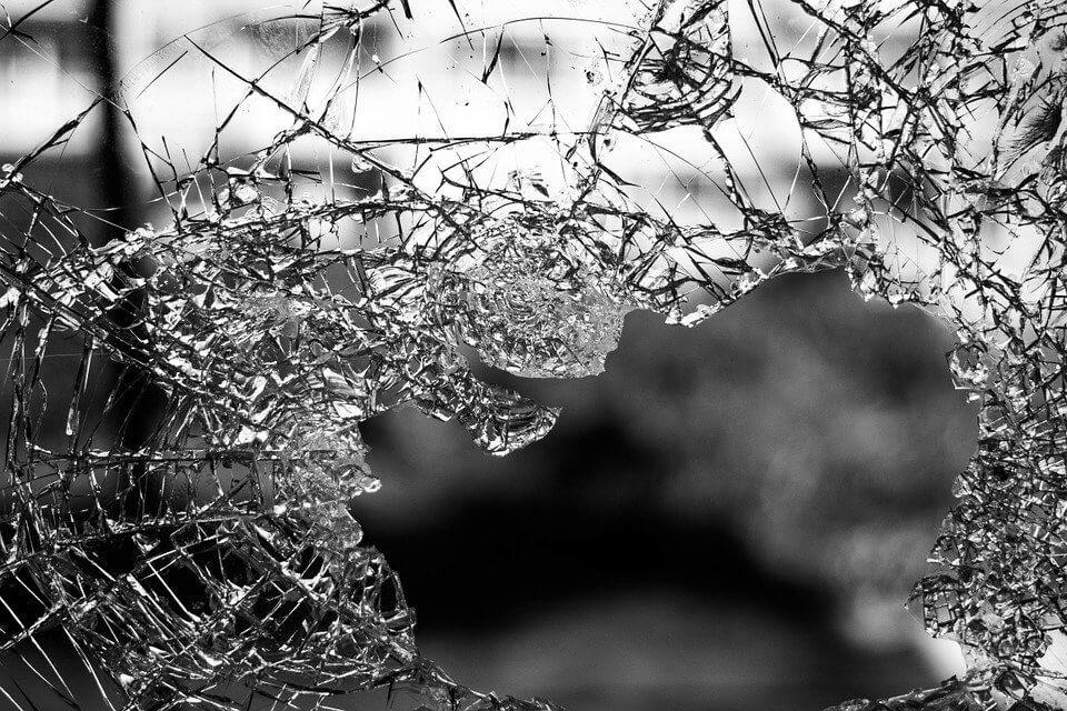 meer dan 1 miljoen schade door avondklokrellen