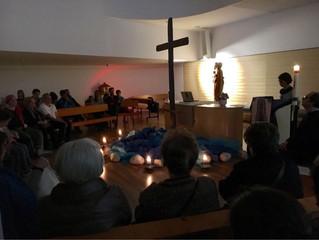 El pelegrinatge de la Creu de Lampedusa arriba a la Comunitat del Clot
