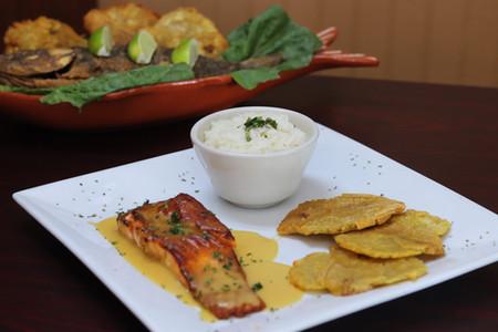 Salmon en salsa de maracuya