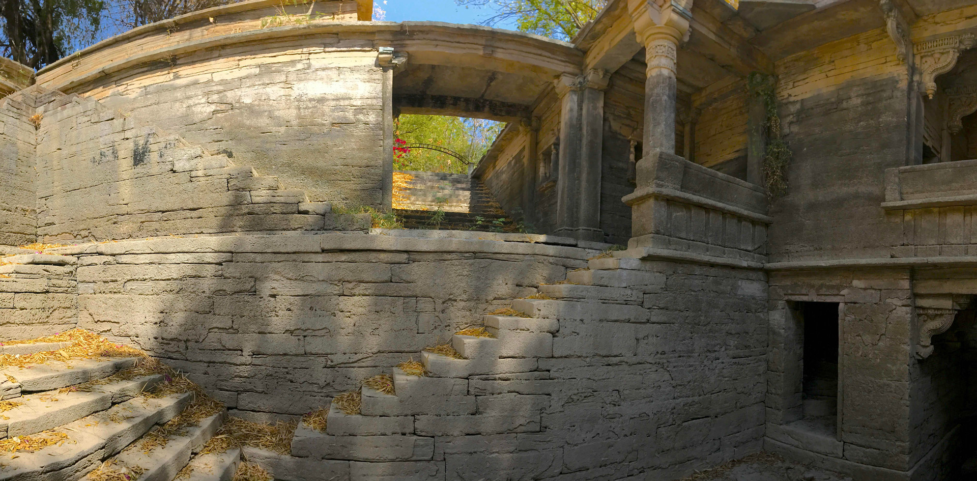 PANORAMA-WATER-STEP-WELL-ARCHITECTURE_.j