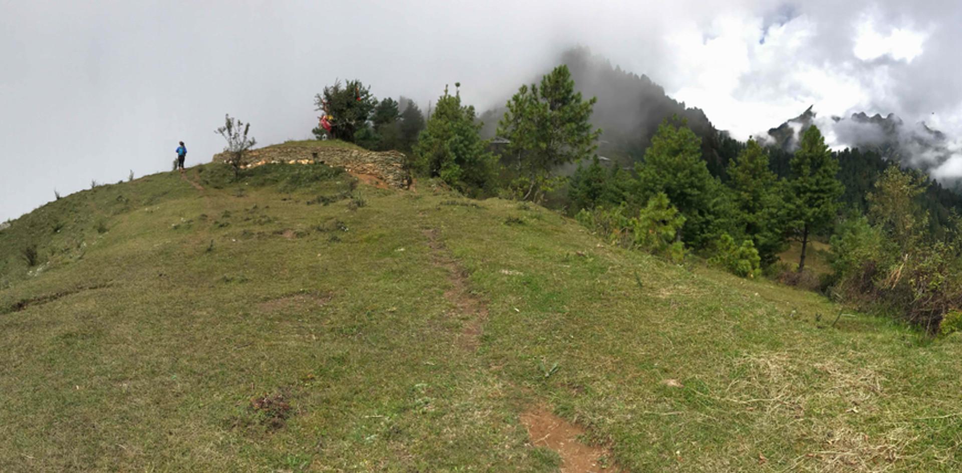PANORAMA-HIMALAYAS-CLOUDS-SCENERY-MOUNTA