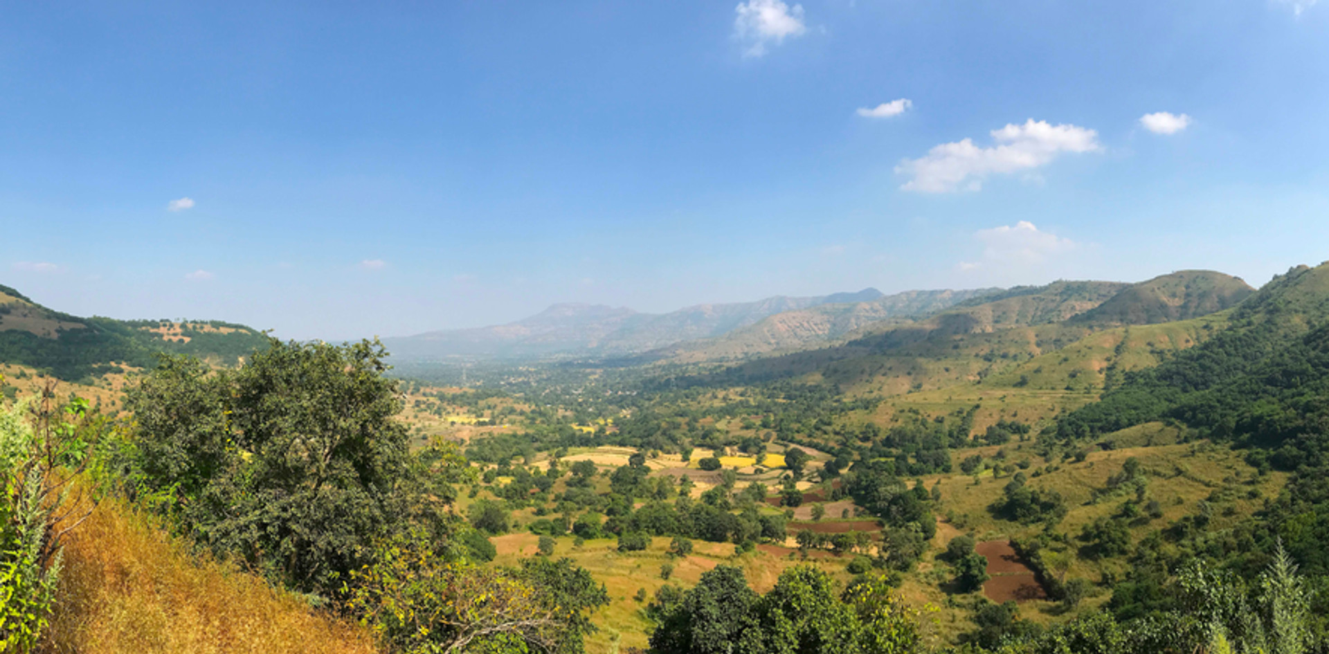 PANORAMA-LANDSCAPE-WIDE-SERENE-VALLEY-FI