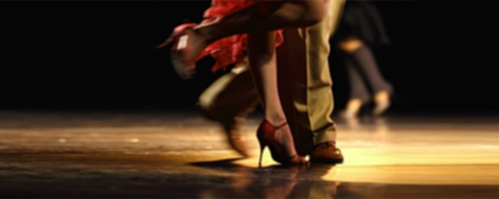 Dance lesson Madison and Sun Prairie. Group classes and dance parties. Social dance, ballroom and Latin dancing. Swing, Salsa, Tango