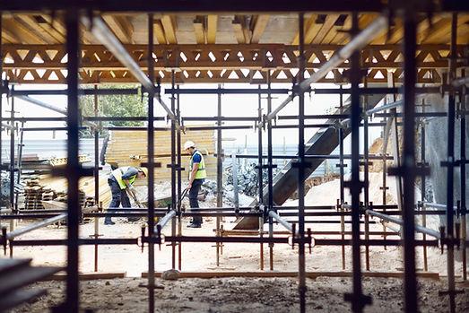 Trabalhadores da construção no local de