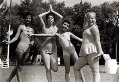 1962-Beach-Girls_big.jpg