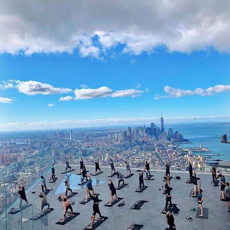 [여행지/뉴욕 Manhattan/빌딩] Yoga Class in the Edge