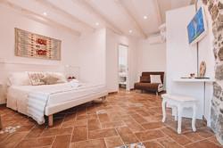 camera-spazio-divano