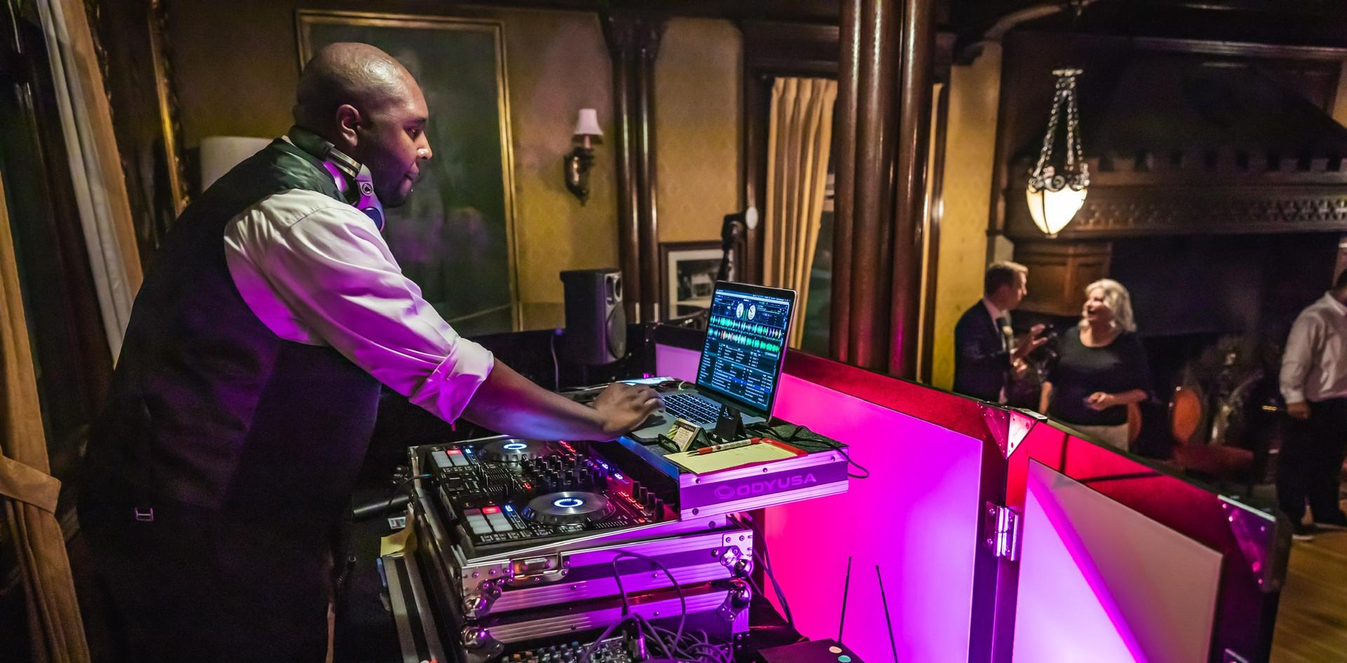 DJing/MC
