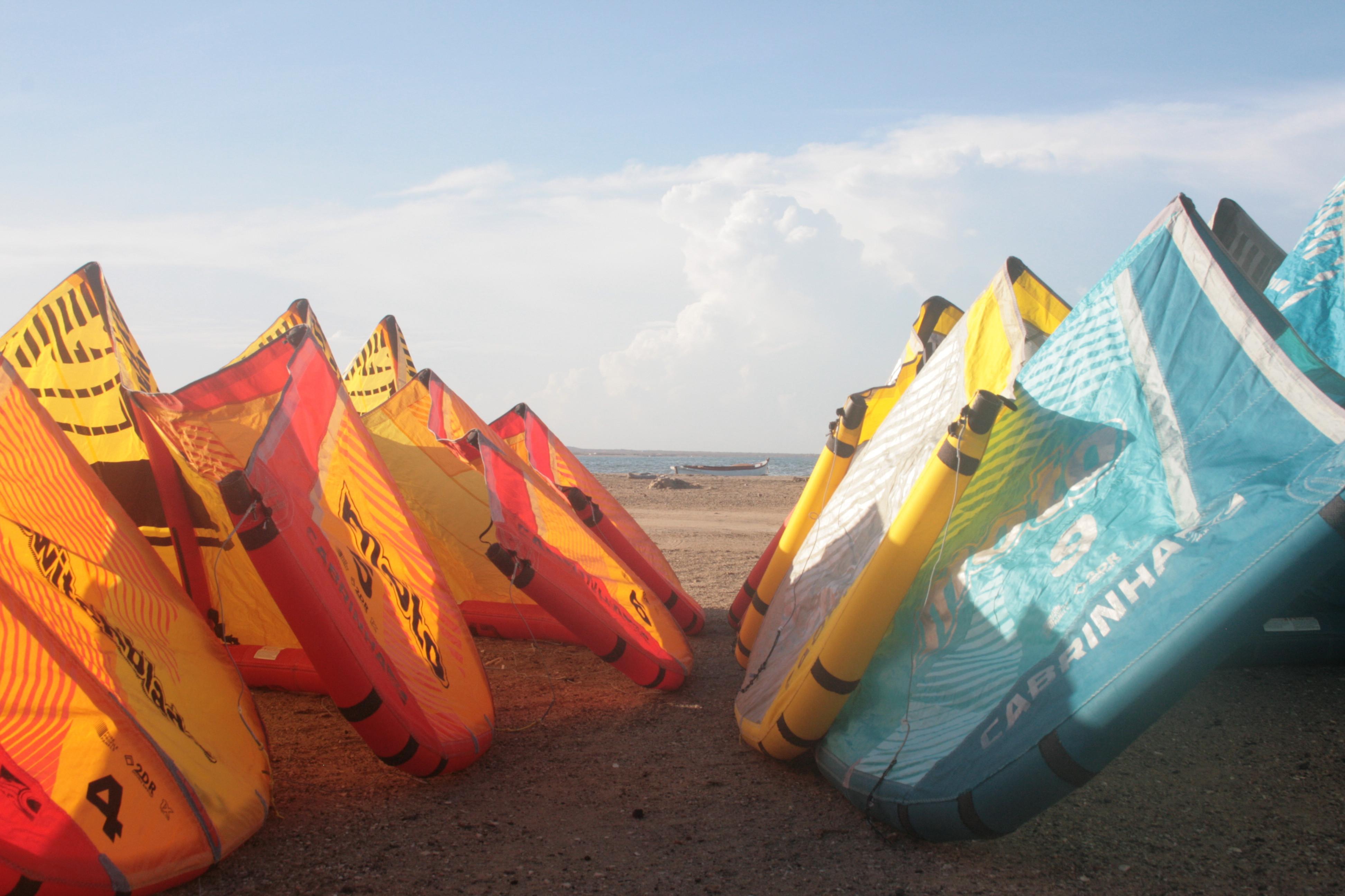 4h Kitesurfing lessons
