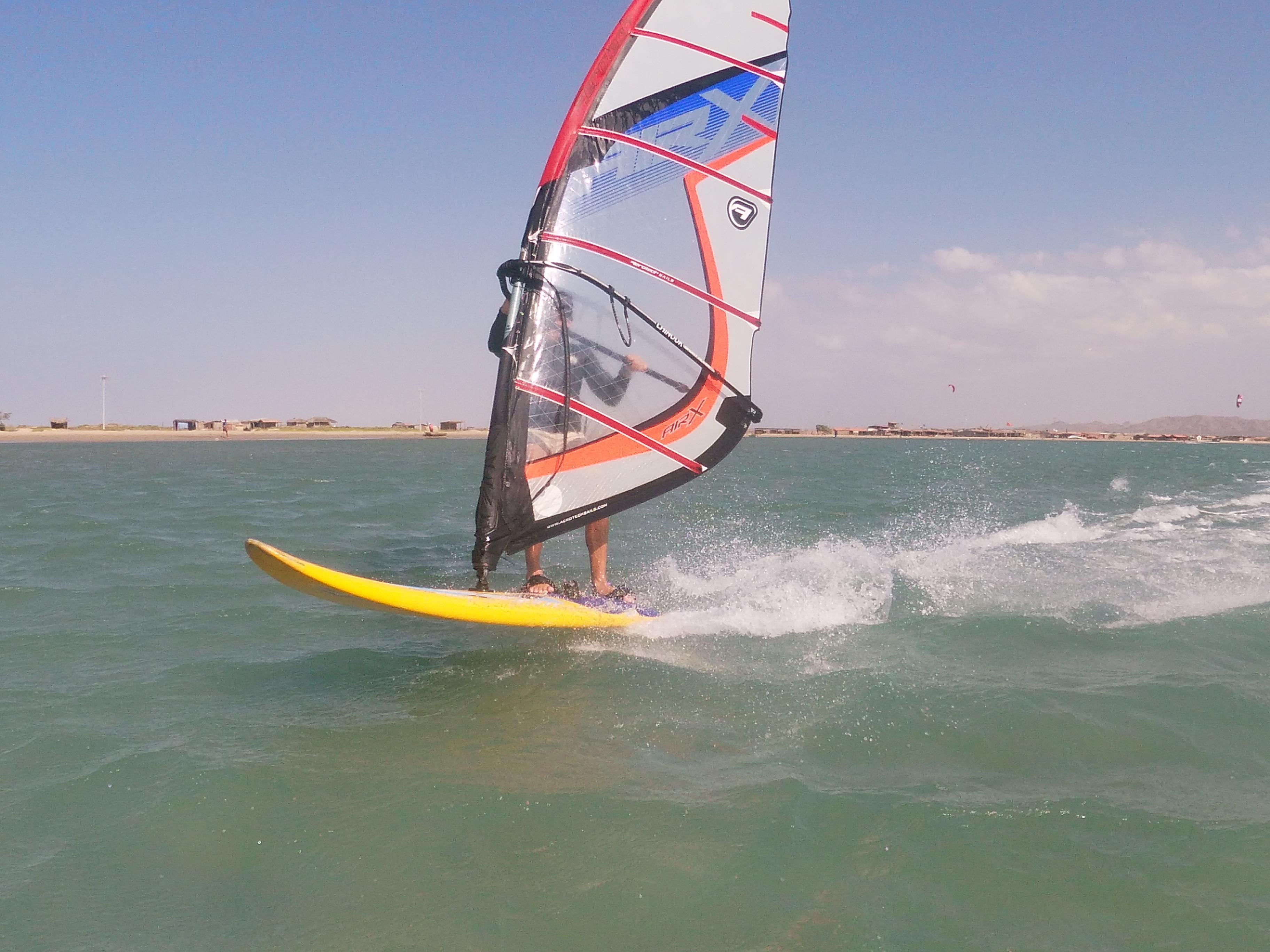 1h Windsurfing