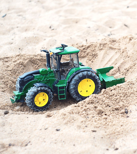 green%2520and%2520black%2520tractor%2520toy_edited_edited.jpg