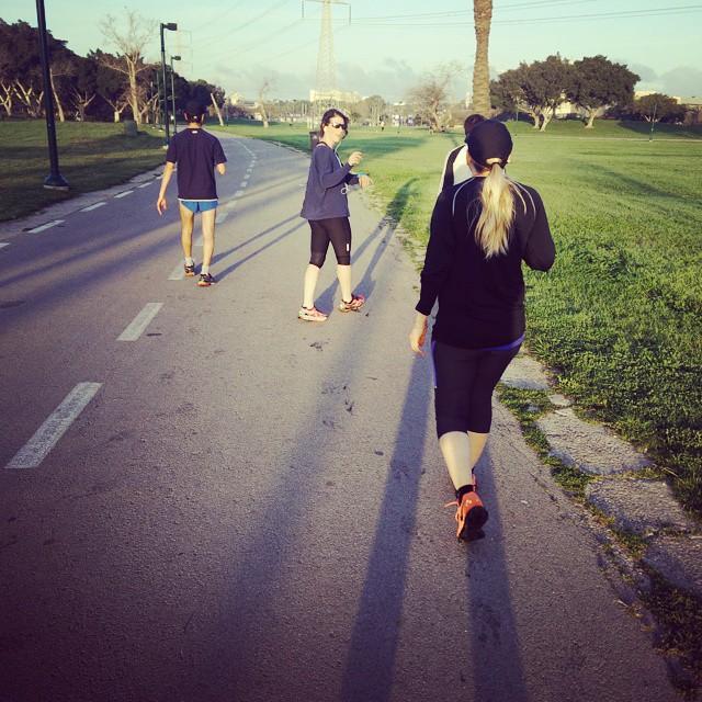 Instagram - #runnershigh_israel  אימון בוקר פארטלק מהירויות משתנות בפארק