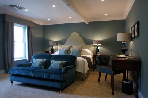 Royal Cres Bedroom 55 003.jpg