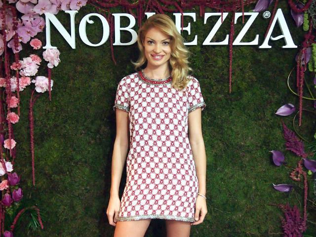 Valentina-Pelinel-Noblezza-31.jpg