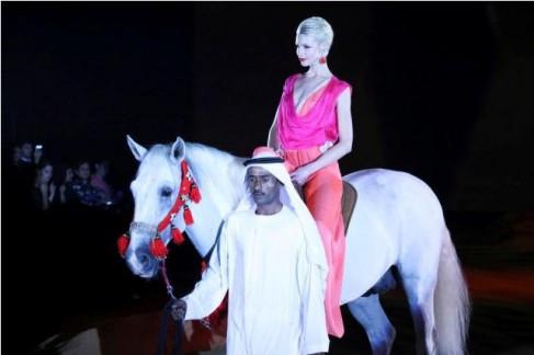 Mirela-Stelea-deschidere-Dubai-Fashion-W