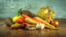 Naturopathie, naturopathe, Montréal, Sainte-Adèle, Lauentides, Ste-Adèle, ANAQ, cours, conférence, alimentation saine, épicerie, santé, La Vitaliste, Marik Péro, légumes, racines, santé globale, couleurs, panier d'épicerie, ail, oignon, carotte, patate, pomme de terre