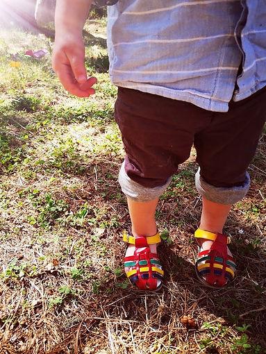 Petits pieds, bébé, enfant, naturopathe de famille, mode de vie sain, naturopathie familiale, enfants et bébés