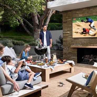 Long-Island-Outdoor-TV-Store.jpg