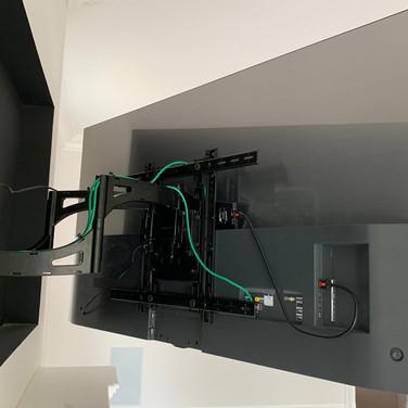 TV Installation Long Island Back Box.jpe