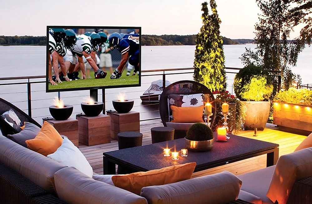 Outdoor TV in Outdoor Entertainment space New Jersey