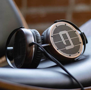High End Planar Headphones For Turntable