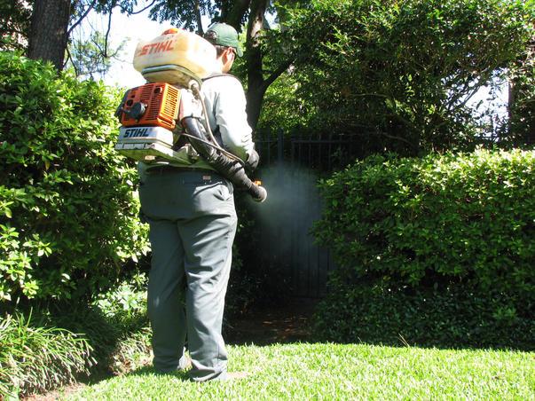 Mosquito-Backpack-Sprayer-Control-NJ.jpg