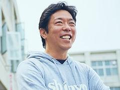 荒井 優教諭.jpg