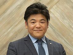 花岡 和佳男教諭.jpg