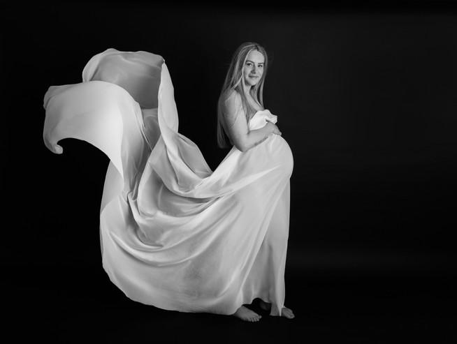 Alicia Maternity Shoot Essex-65.jpg