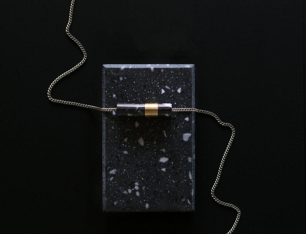 Alexandra Izeboud | MARBLE necklace pendant (Black)