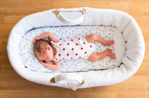 Photographe bébé Paris nouveau né