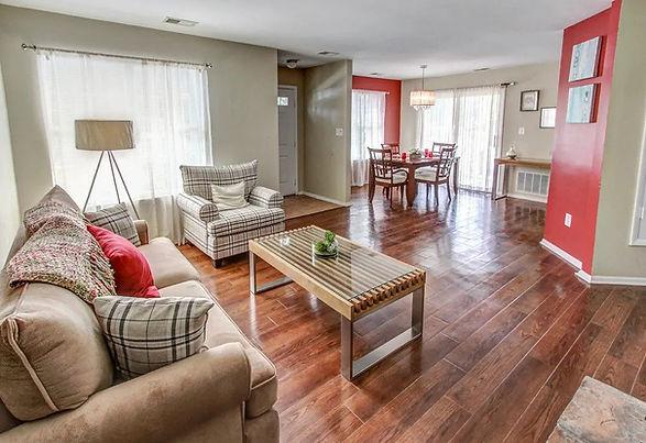 Royal-Oaks-East-Garden-Apartment-Homes-L