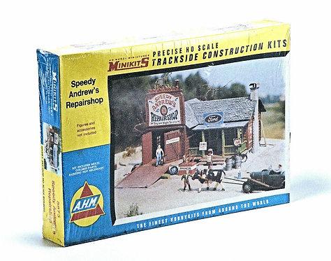 "(HO) Vintage Plastic Structure Kit - ""Speedy Andrew's Repairshop"""