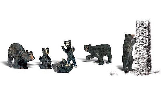 (O) Figures - Black Bears