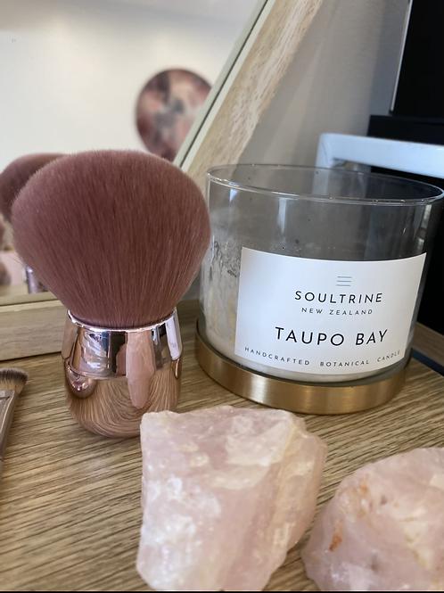 Soft fluffy kabuki brush