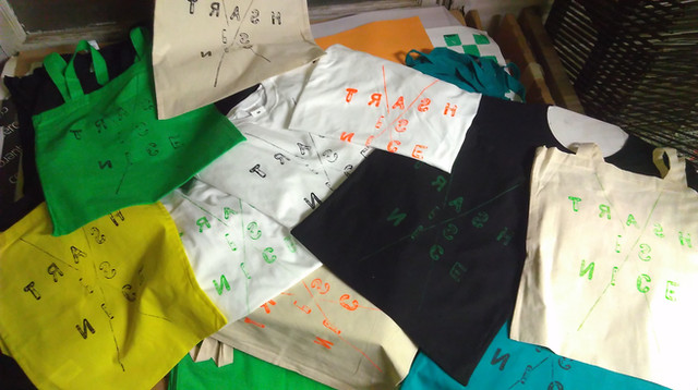 T-shirts et Tote Bags