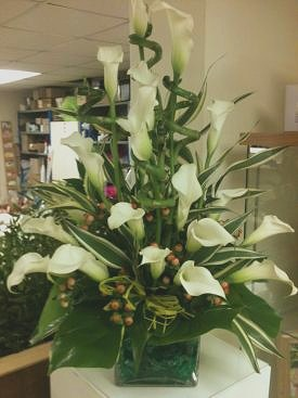 Calla Lilly Arrangement1_edited.jpg