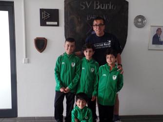 Trainingsanzüge für unsere SV Burlo Jugend-Kicker Mostafa, Achmed, Saaed, Mohamad und Ahmad