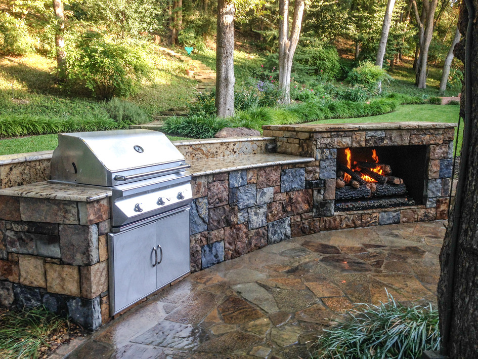 Outdoor Kitchen & Fireplace