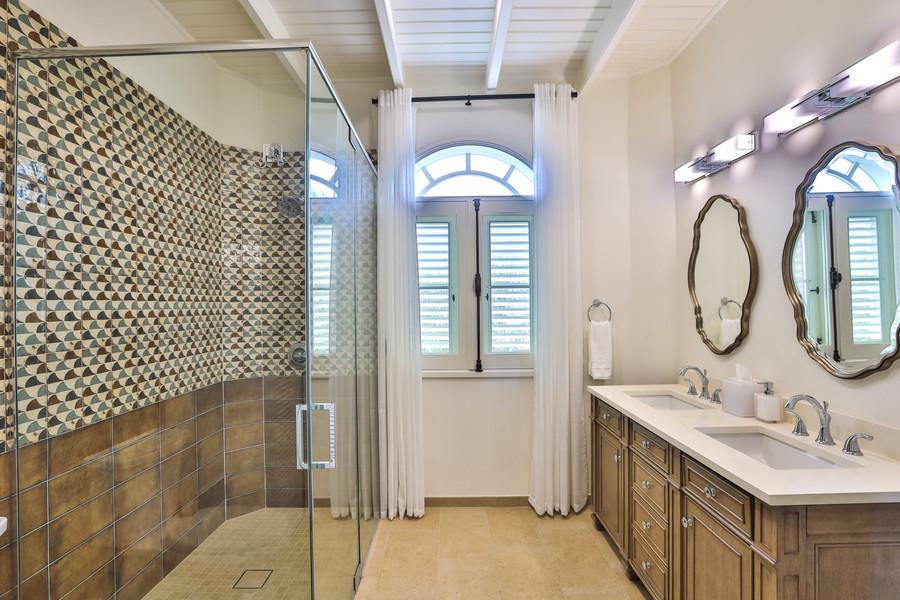 042-Guest Bathroom 4.jpg