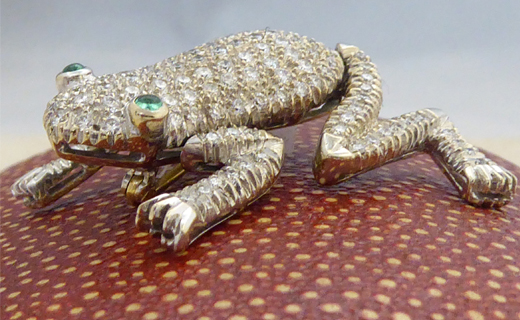 carousel-frog