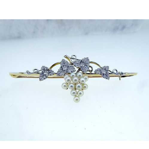 Circa 1920's Pearl and Diamond Brooch in 15ct Gold and Platim