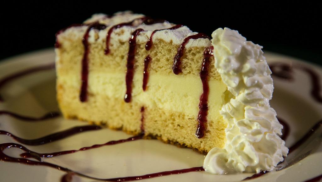 Italian Lemon Creme Cake