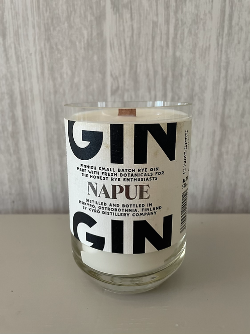 Napue gin bottle candle