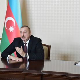 Azərbaycan Distant Təhsilə Keçir.