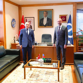 Azərbaycan Heyəti Eskişəhərdə Anadolu Universitetinin rektoru Prof.Dr Fuat Erdalı ziyaret etdi.