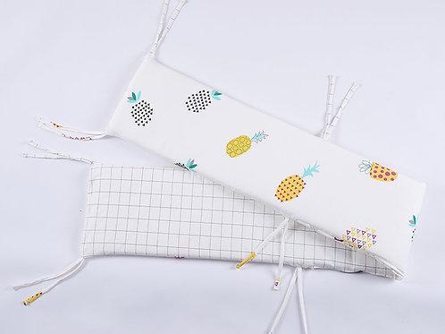 LW1037 嬰兒針織床圍 - 菠蘿格調