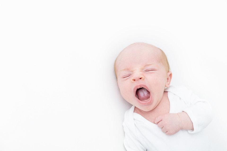 Newborn baby photographer, Plymouth Devon - Oh SO Peachy Photography